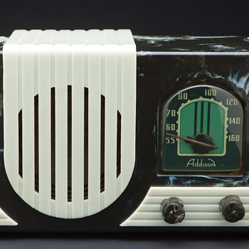 Art Deco Addison Waterfall Grill Plaskon Radio  - Radios
