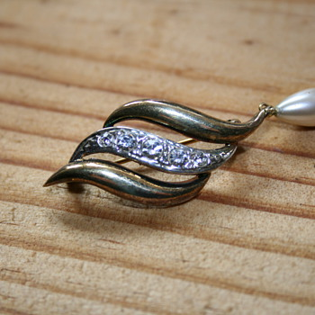 Lotus Fashion Signature Brooch  - Costume Jewelry