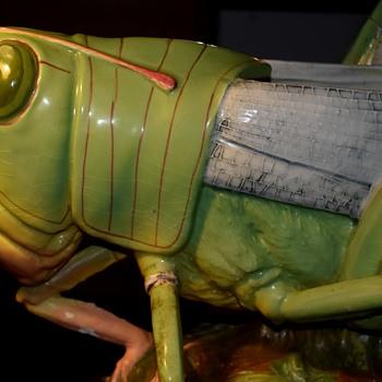 Sauterelle énorme! [Enormous majolica grasshopper by Delphin Massier] - Art Nouveau