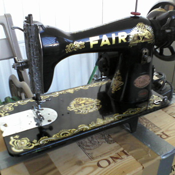 Vintage Sewing Machine...Manufacturer unknown..Help! - Sewing