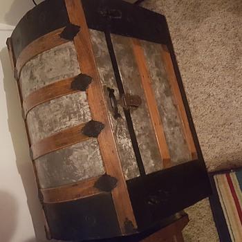 Beautiful antique chest questions - Furniture