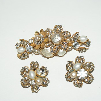 De Mario, NY, Brooch and Earrings - Costume Jewelry