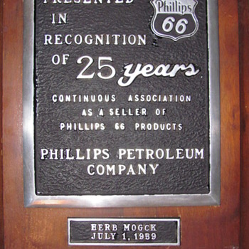 JOBBER/DEALER CORP. AWARDS PLAQUES - Petroliana