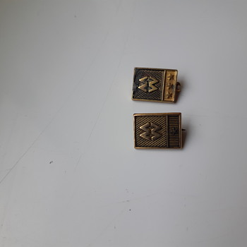 Can someone help identify this please? - Medals Pins and Badges