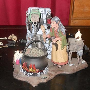 Aurora Salem Witch Model Polar Lights Recast - Toys