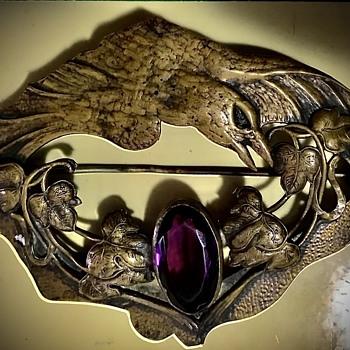 George N Steere Raven Sash Pin ? - Costume Jewelry