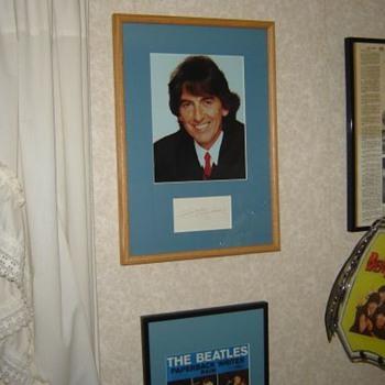George Harrison signature...circa. 1980 - Music Memorabilia