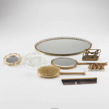 Art Deco Gilded Vanity Set - Accessories