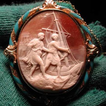 Wonderful enamelled cameo of fishing men with boat - Victorian Era