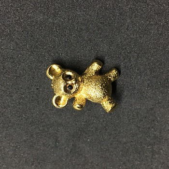 Little Monet Bear Brooch - Costume Jewelry
