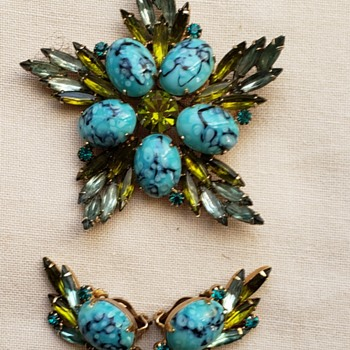 Julianna Brooch and Earrings - Costume Jewelry