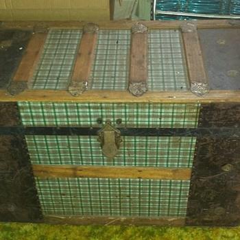 Steamer trunk? - Furniture