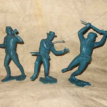 Marx Six Inch Cavalry Soldiers 1965-1970 - Toys
