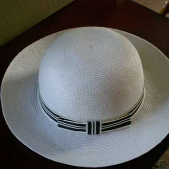 Women's off-white hat with matching off-white and black band with a bow. - Hats
