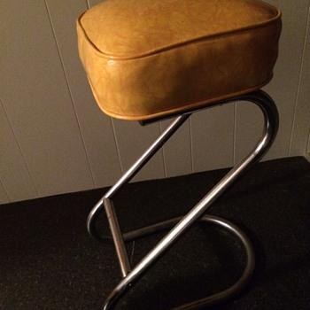 Mid Century yellow Z stools - Mid-Century Modern