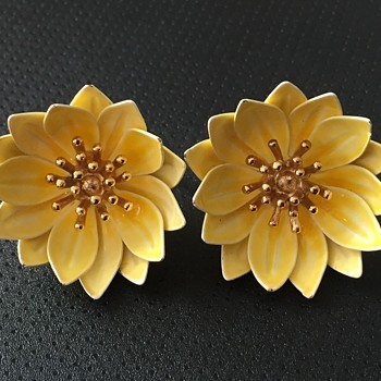 Trifari Enamel Flower Earrings - Costume Jewelry