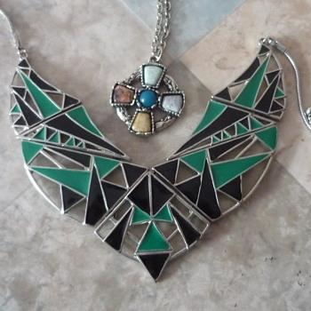 Costume Jewellery Pieces - Costume Jewelry