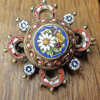 Micro Mosaic Vermeil Round Brooch end 1900s - Fine Jewelry
