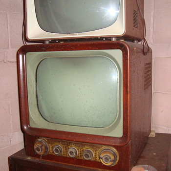 Old Halicrafters TV/Radio