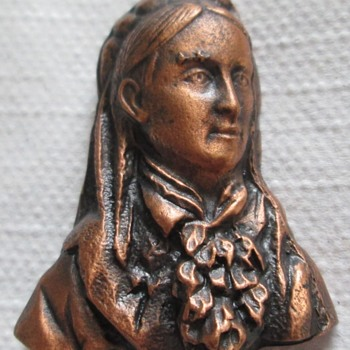 This copper miniature - Costume Jewelry