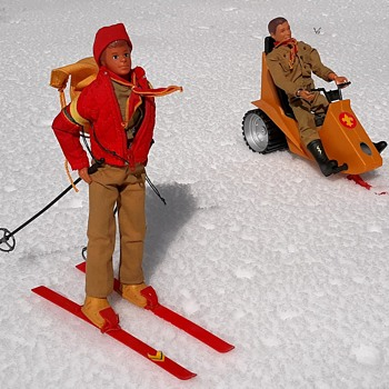 Kenner Steve Scout Avalanche On Blizzard Ridge Out in the Snow - Sporting Goods