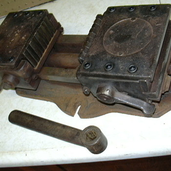 Mystery Vise - Tools and Hardware