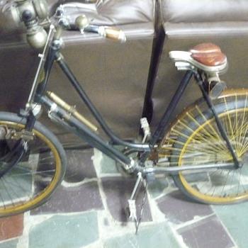 Hartford bicycle - Sporting Goods