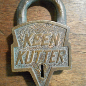 Keen-Kutter padlock - Tools and Hardware