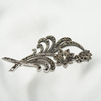 Vintage Marcasite and Silver Brooch - Fine Jewelry