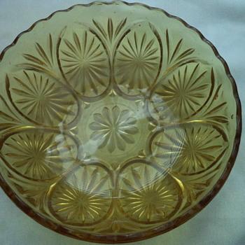 "Amber 8"" Glassware Bowl"
