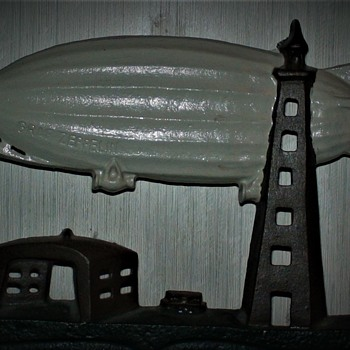 ANTIQUE SCHYLLING USA GRAF ZEPPELIN AIR SHIP LAMP/ DOORSTOP CAST IRON  - Tools and Hardware