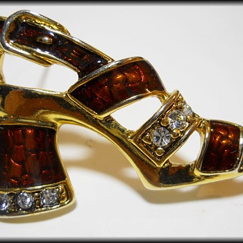 Costume Jewelry Brooch ( Shoe ) - Costume Jewelry