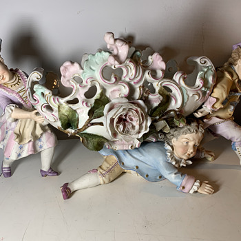 ANTIQUE BISQUE PORCELAIN CENTERPIECE FIGURAL~ITALIAN OR GERMAN? - Figurines