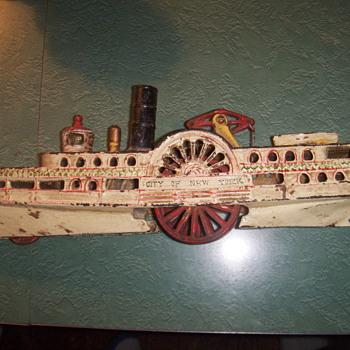 Wilkins New York  Side Wheeler Boat - Toys
