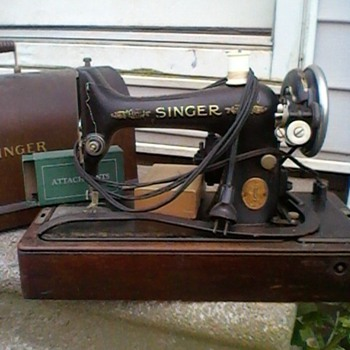 Looking for a value on this Singer portable electric sewing machine No. 99-13 - Sewing