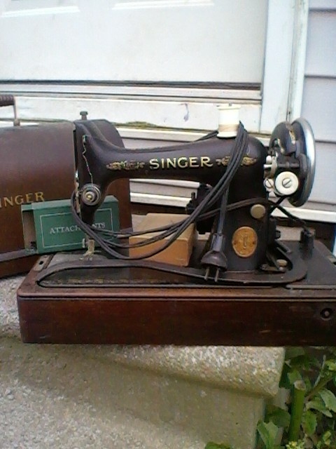Looking For A Value On This Singer Portable Electric Sewing Machine Simple Value Of Singer Sewing Machines
