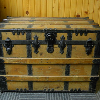 Curb find, P&S Slight Dome Top Steamer Trunk,Circa 1900 - Furniture