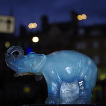 JOBLING ART DECO OPALESCENT ELEPHANT SUNDERLAND - Art Glass