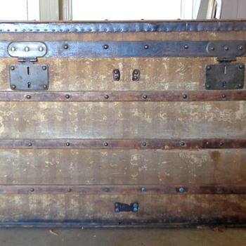 Louis Vuitton Rayee Trunk Restored - Furniture
