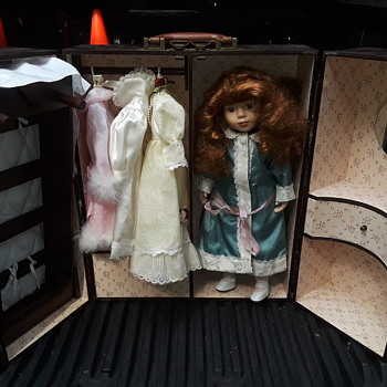 """asking for a friend - is this doll/wardrobe case a """"something""""?? - Dolls"""