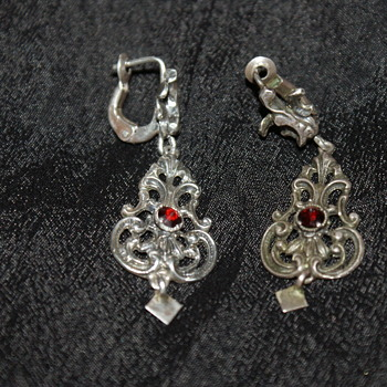 835 Silver and Garnet Vintage Earrings  - Fine Jewelry