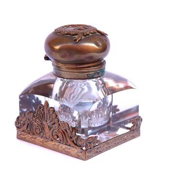 Encrier en cristal et bronze doré. Epoque XIXè - Office