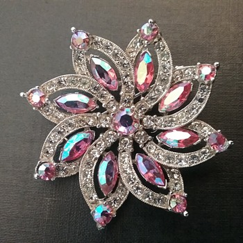 Bogoff floral brooch   - Costume Jewelry