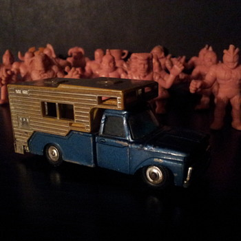 Husky Toys #35 , Ford Camper - Model Cars