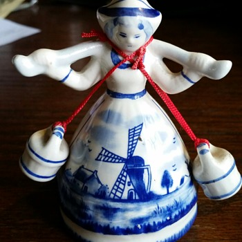 THE LITTLE DUTCH MISS - Figurines
