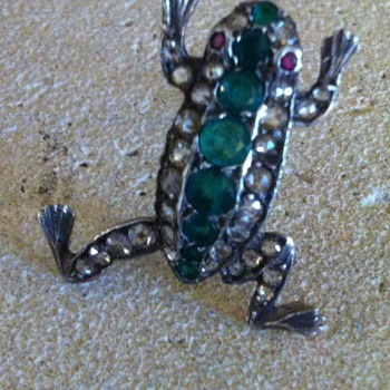 Froggies  details. - Fine Jewelry