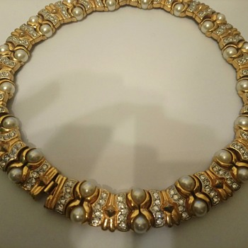 mystery necklace but looks like good quality - Costume Jewelry