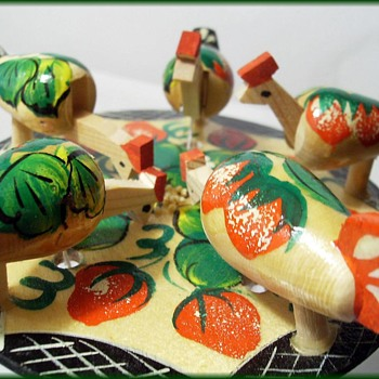 RUSSIAN WOODEN - Pecking Chicken Toy - Toys
