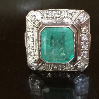 Art Deco Emerald and Diamond Ring - Fine Jewelry