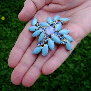 Vintage Juliana Brooch - Costume Jewelry